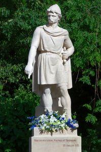 399px-Statue_de_Rollon